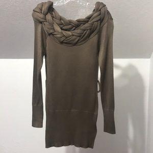 Venus• sweater Sz.Sm